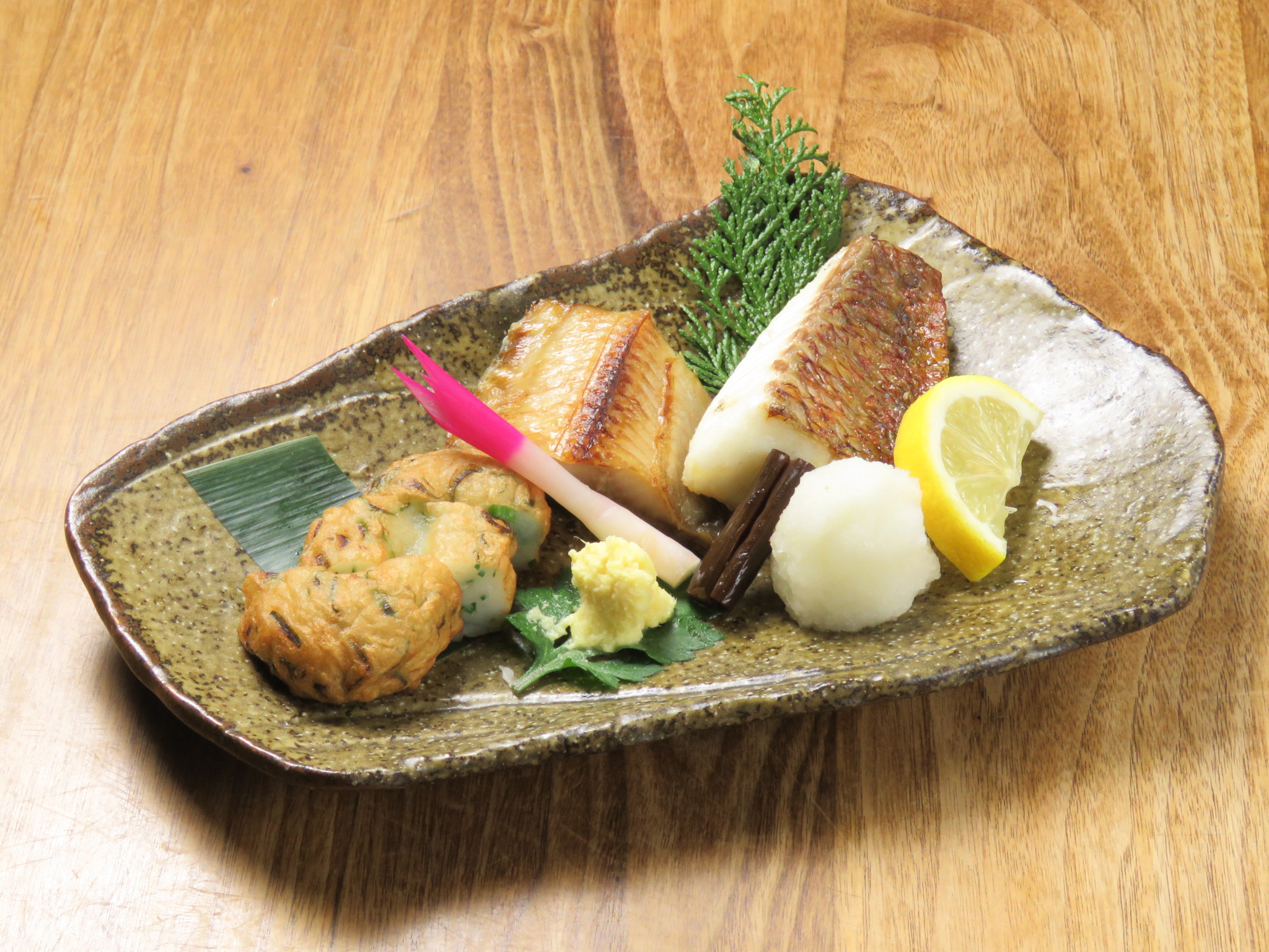 Charcoal grilled assorted fish platter